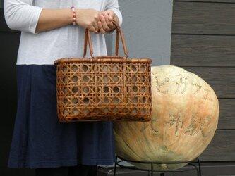 竹籠バッグ かごバッグ 八つ目編み 根曲り竹 煤竹 燻煙千島笹の画像