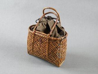 竹籠バッグ かごバッグ 網代編み 根曲り竹 煤竹 燻煙千島笹の画像