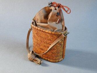 かごバッグ 信玄袋 網代編み 根曲り竹 煤竹の画像