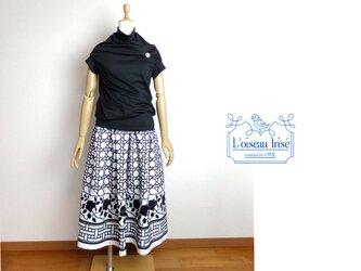 ギャザースカート 黒バラ刺繍の画像