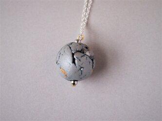 磁器 ネックレス feeling gray moon 1の画像