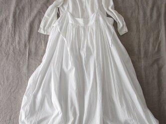 ホワイトコットンのサスペンダースカート♡ナチュラル系吊りスカート・ニュアンスたっぷり♡親子コーデも♪の画像