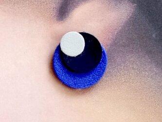 革イヤリング<ブルー系3色>の画像