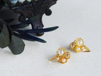 karen*小さな花束のピアス&イヤリング/dの画像