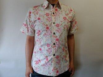 半袖和柄シャツ(桜)の画像