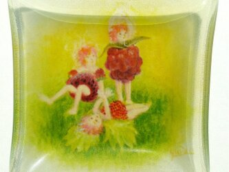 ミニマム妖精ガラスペーパーウェイト、いちごの画像