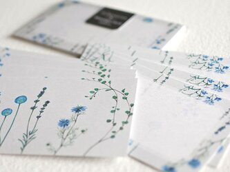 ブルーの花たちのメッセージカードの画像