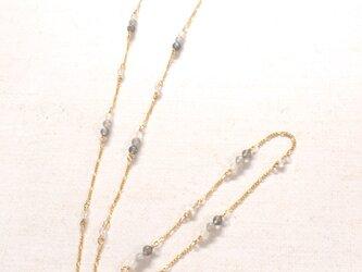 天然石のメガネチェーン(グラスコード)・ラブラドライトの画像
