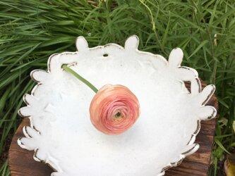 花のかんむり平鉢の画像