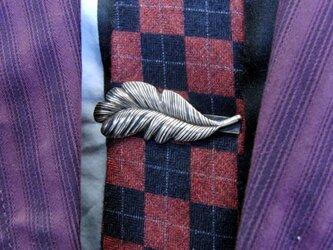 真鍮ブラス製 フェザー型ネクタイピン(タイバー)1個 ネクタイ・ポケットの飾りにの画像