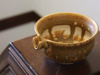 中抜きイラボ釉の片口酒器の画像