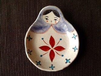 母の日に♬ マトリョーシカトレイ  赤い花の画像