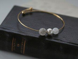 ラインストーンボールと水晶のワイヤーブレスレットの画像