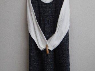 木綿のエプロンワンピース 紺色の画像