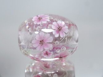 桜のとんぼ玉(ガラス玉)の画像