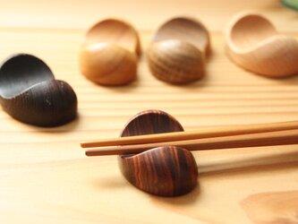 木の箸置き 豆形 木の種類いろいろ5種セット おまかせセレクトの画像