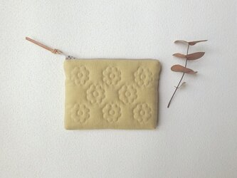 花キルトのスリムポーチ(miniイエローベージュ)の画像
