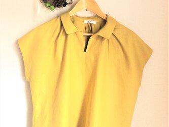 カラーリネン 襟付きブラウス マスタードの画像