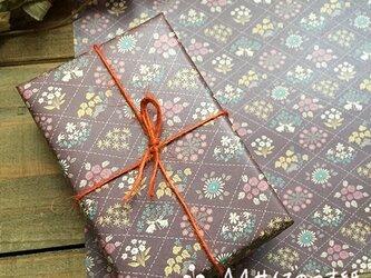 A4サイズのうす紙【花ならべ】の画像