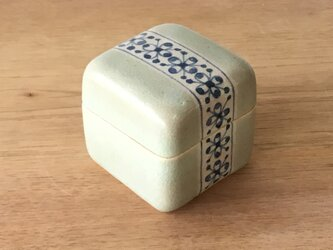 陶箱 果実紋の画像