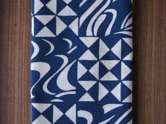 天然藍の型染め手拭い 幾何市松の画像