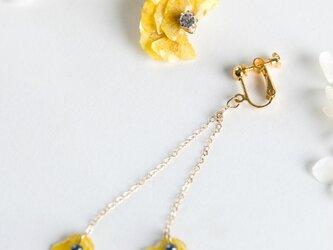 菜の花のイヤリング の画像