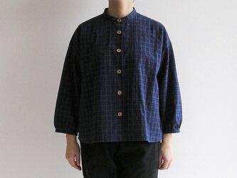 播州織コットン*ゆったりシルエットの七分袖シャツ(青地に黄色と黒のチェック)の画像