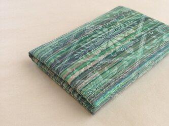 絹手染カード入れ(横・茶緑系)の画像