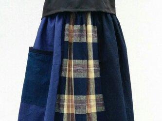 藍木綿のパッチワークスカートの画像