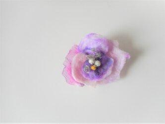 華やかで 軽やかな 花の画像