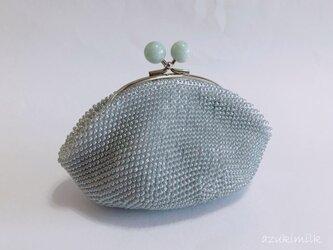 ビーズ編みがま口【シルクグレー×うぐいすマーブルのポッチ】の画像