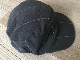 黒鹿の子ニットシルバーストライプ柄帽子の画像