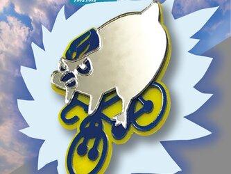 ペンギンブローチon自転車 リフレクションブローチの画像
