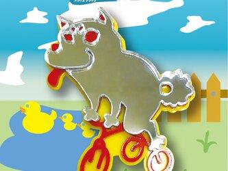 柴犬ブローチon三輪車 リフレクションブローチの画像