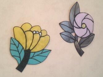 ステンドグラス  黄色花の画像