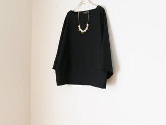 春夏 たっぷり袖のドルマン トップス 黒の画像