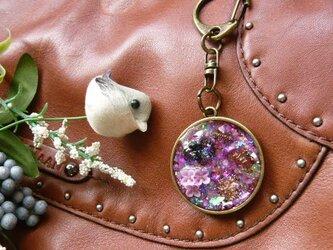 癒しのオルゴナイト(紫) レジン バッグチャームの画像