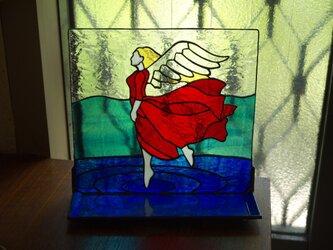 トレイ ( 小皿 ) 付きステンドグラススタンド 翼持つ者 の画像
