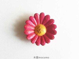 クスノキのブローチ *pinkマーガレット* の画像