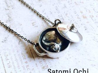 ねこ鍋のネックレスの画像