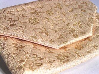 和布のバッグ 数寄屋袋 花唐草 「白と金」クラッチバッグの画像