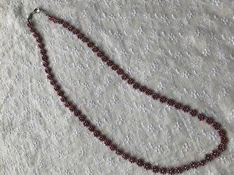小花のビーズグラスコード(ネックレス)の画像