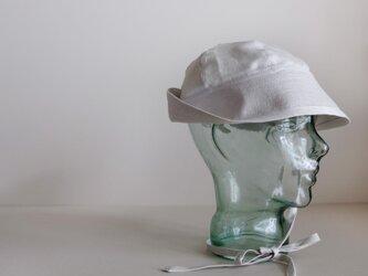 セーラーハット コットン リネン ヘリンボン【パールホワイト】/リボンの付いたセーラーハット<受注制作>の画像