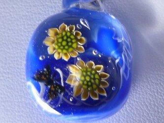 ヒマワリと蝶NO.1(ガラス、ネックレス、蝶)の画像