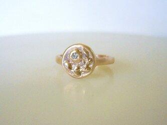 植物とダイヤの小さな指輪(K10)の画像