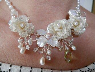 バラ(フリーメタリコ)の花飾りの画像