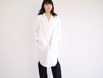 エシカルヘンプオープンカラーシャツワンピース 白色 Mの画像
