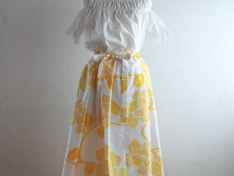浴衣地 黄色花模様 リボンベルトのゴムスカート Fサイズの画像