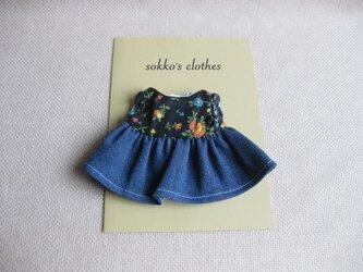 sokko's Dress  黒地に花柄+デニム生地のワンピースの画像