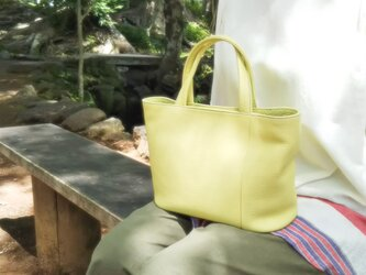 爽やかカラーが魅力!シンプルな小さめトート カラーオーダー可の画像